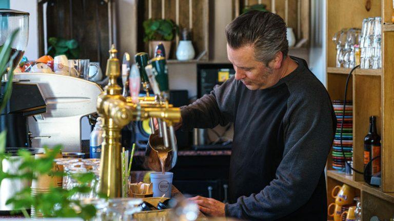Barista gebruikte herbruikbare koffiebeker Billie Cup
